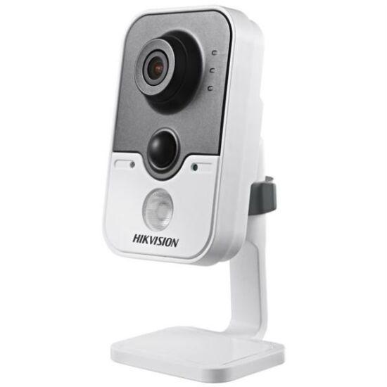 Hikvision DS-2CD2412F-IW 1.3 MP beltéri WiFi fix IR IP csempekamera PIR szenzorral (4mm)